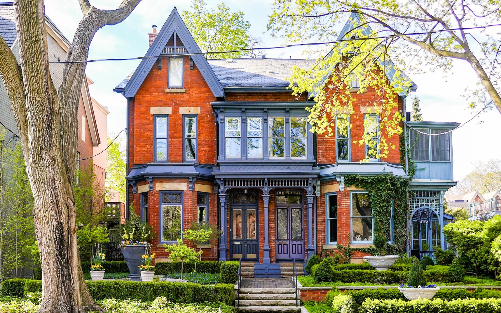 House on Carlton in Cabbagetown