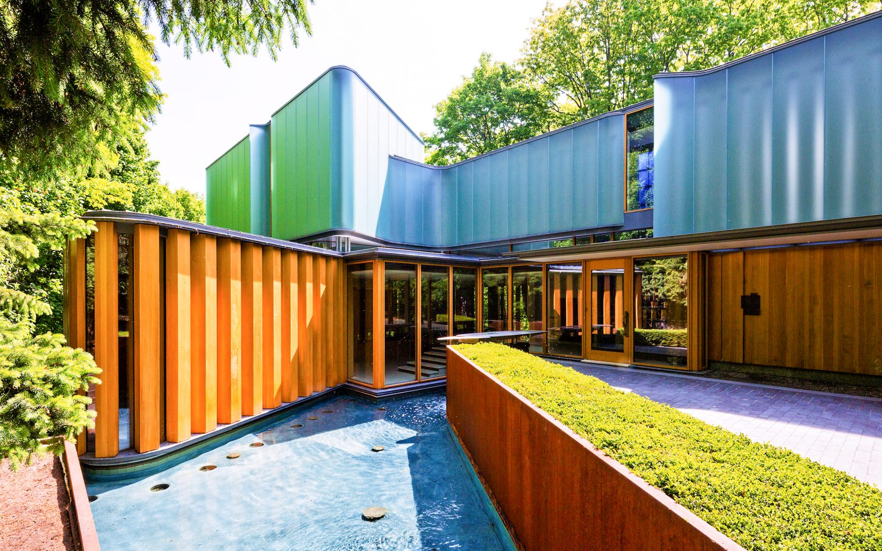 Integral House is a private residence, located at 194 Roxborough Drive in the Rosedale