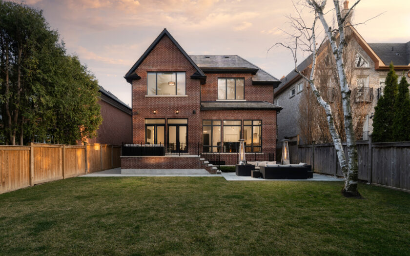 (c) Photos of 226 Golfdale Rd by Mitchell Hubble exclusively for SHANE.